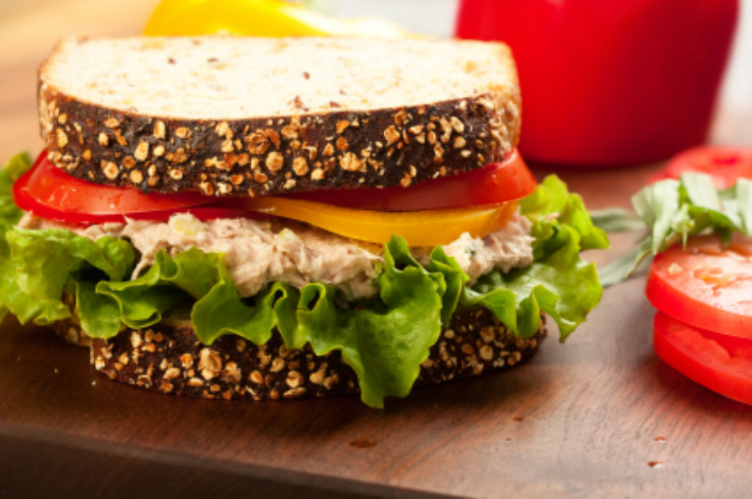 tuna sandwich with lettuce and tomato, lunch meal ideas to take to work