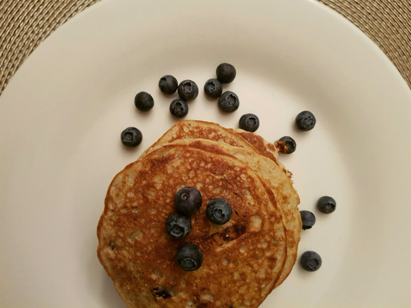 recipe, breakfast, pancakes, dates, date and oatmeal pancakes